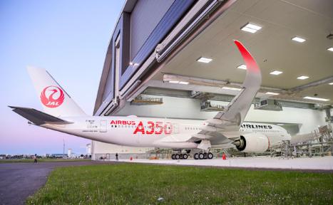 エアバスA350-900をJALが導入!座席数とANAのA-380と路線の違いは?