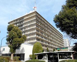 埼玉県立高校のハーフパンツ落ちた外国人(アメリカ)指導職員は誰で名前は?ALT職員の顔画像や写真と勤務先学校の名前を特定?