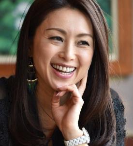 酒井法子の交際報道で彼氏は大槻昌彦専務取締役か!Facebook顔画像と学歴経歴は?