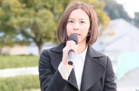 渡辺典子県議がかわいい大学生の若い頃|モデルの経歴と白髪の年齢の噂?プロフィール: 文春