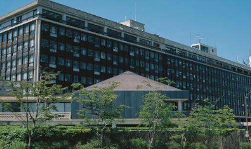20代女性教諭は誰,名前は?岡山県南部の公立中はどこ学校名は?SNS顔画像