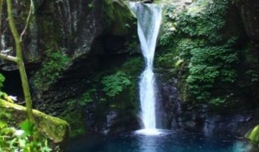 おしらじの滝の飛び込み事故の原因は?なぜ霊の伝説が
