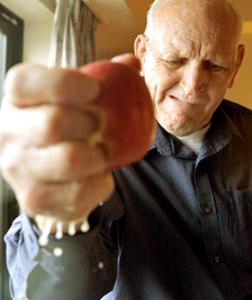 ダニーホッジが死去:死因は病気?握力の最強伝説